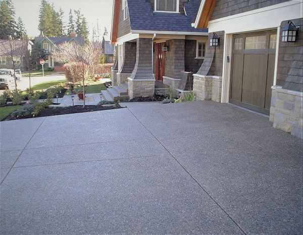Driveway with Garage and Entrance