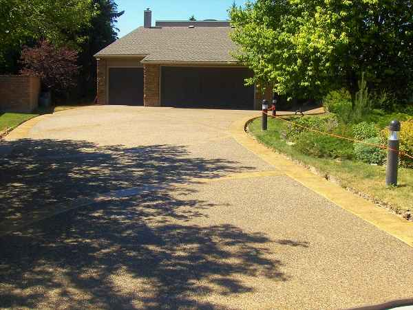 Driveways with House Garage