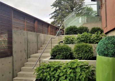 one-architectural-concrete-planters
