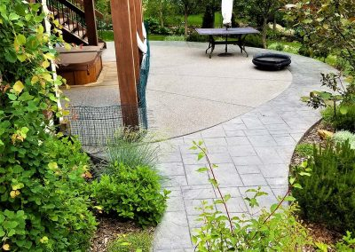 Round Shaped Concrete Walkway